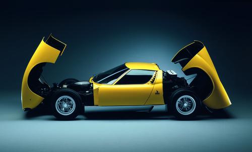 Lamborghini Miura (1966 - 1972).