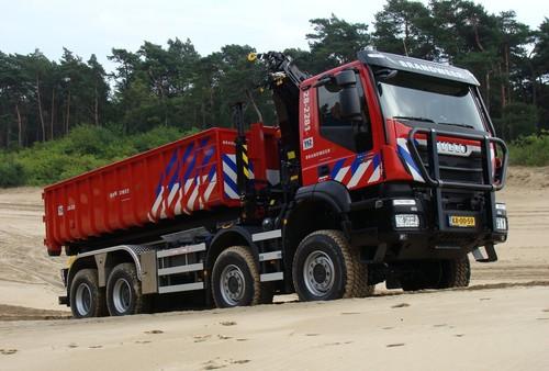 Iveco Trakker Hi-Land 8x8 für die niederländische Armee zum Einsatz auf verschiedenen Sprengstofferprobungs- und Truppenübungsplätzen.