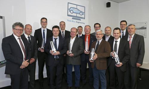 """Die Preisträger der """"Think Blue. Engineering.""""-Awards"""" von Volkswagen und ihre Laudatoren."""