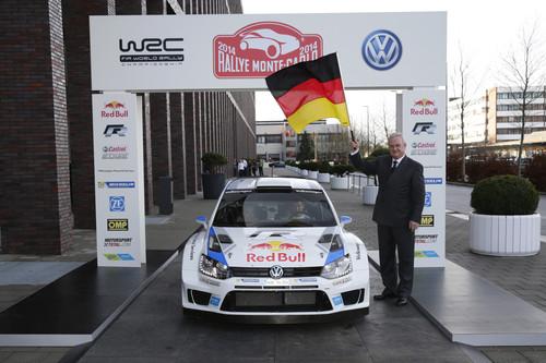 Konzernchef Prof. Dr. Martin Winterkorn verabschiedet das Vokswagen-Rallyeteam in die Mission Titelverteidigung.