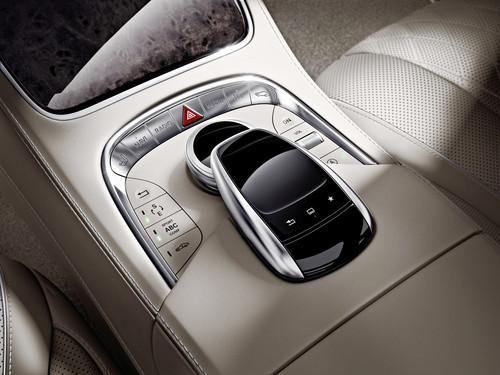 Mercedes-Benz S 600.