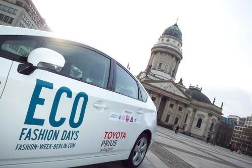 Toyota shuttelt die Eco Fashion Days.
