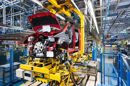 Transporterproduktion im spanischen Mercedes-Benz-Werk Vitoria.