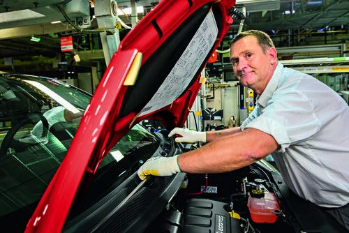 170 Komponenten beim Opel Adam sind so genannte Rezyklate. Sie können in ihrer Materialbeschaffenheit sogar Neuware überlegen sein, da sie weniger zu Maß- und Formveränderungen neigen.