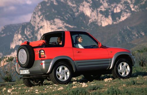 Toyota RAV4 (1998).