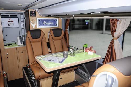 Setra Doppelstockbus S 431 DT der TopClass 400.