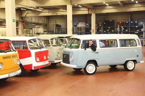 Ankunft des letzten VW T2 in der Oldtimer-Sammmlung des Nutzfahrzeug-Werks in Hannover.