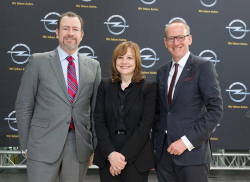 GM-Präsident Daniel Ammann, Mary Barra und Opel-Chef Karl-Thomas Neumann.