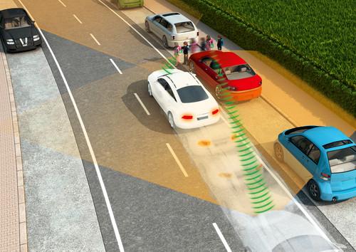 Mit entsprechenden Transpondern könnten Autos auch verdeckte Fußgänger oder Radfahrer erkennen.