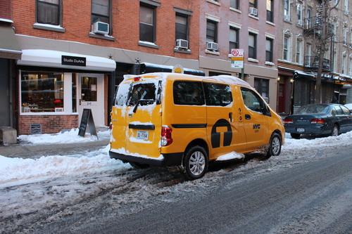Nissan Evalia Yellow Cab.