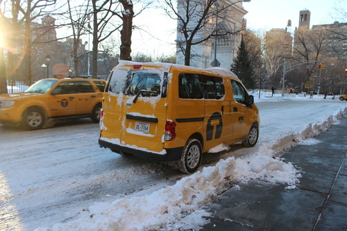 Nissan NV200 Evalia Yellow Cab.