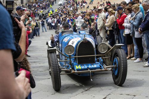 Bugatti Typ 35 bei der Mille Miglia.