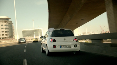 "TV-Spot ""Wedding"" über den Opel Adam."