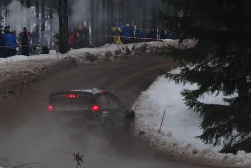 WRC Rally Schweden. Manchmal auch tagsüber eine finstere Angelegenheit.