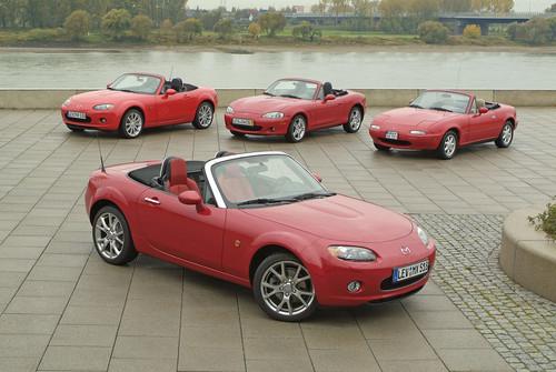 Drei Generationen Mazda MX-5.