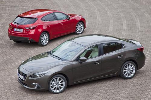 Mazda3 Limousine (vorne) und Schrägheck.