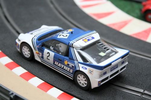 Ford RS 200 von Scalextric.