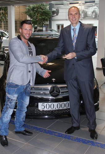 Der 500 000ste Junge Stern (v.l.): Markus Semmler und Verkaufsleiter Udo Betz.