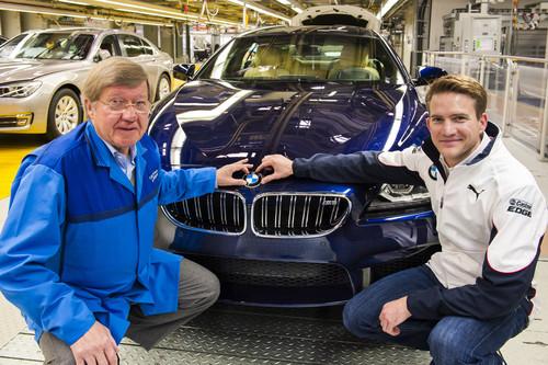 Dirk Schulz (li.) komplettiert mit DTM-Werksfahrer Dirk Werner seinen BMW M6 Gran Coupé.