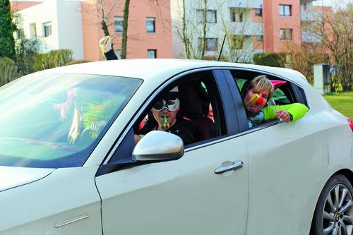 Keine Narrenfreiheit: Das Kostüm darf den Fahrer nicht beeinträchtigen.