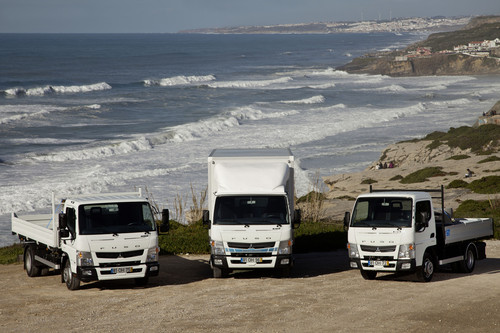 Fuso Canter 8,55 t, Canter Eco Hybrid und Canter 3,5 t (von links).