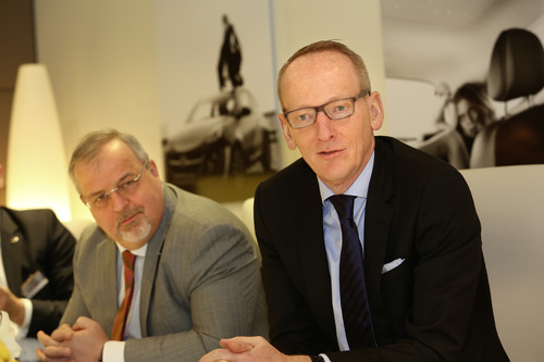 Johan Willems, Opel-Kommunikationsvorstand (links) und Opel-Chef Dr. Karl-Thomas Neumann.