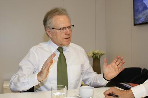 Dr. Wolfgang Ziebart.