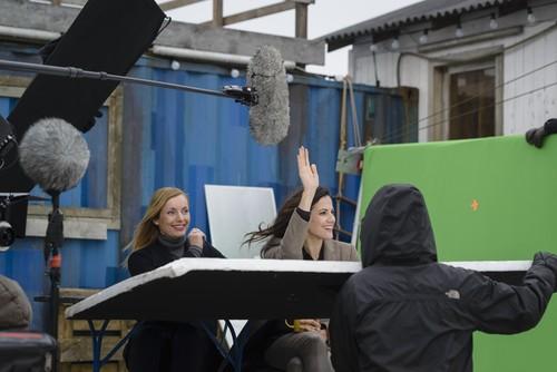 """Dreharbeiten zum TV-Spot der Opel-Kampagne """"Umparken im Kopf"""" mit Nadja Uhl und Bettina Zimmermann."""