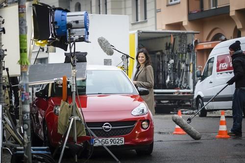 """Dreharbeiten zum TV-Spot der Opel-Kampagne """"Umparken im Kopf"""" mit Bettina Zimmermann."""