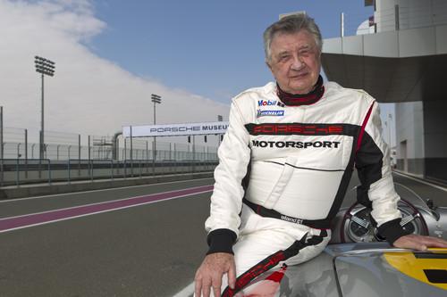 Hans Hermann wird am Stand des Porsche-Museums auf der Retro Classics Autogramme geben.