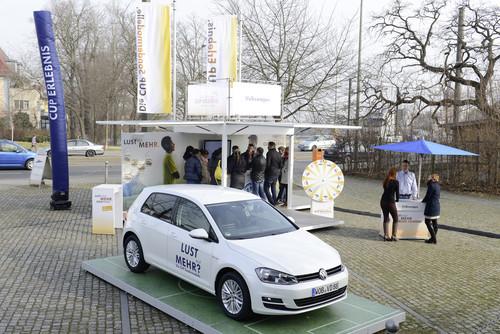 Volkswagen-Händler starten eine Roadshow für die Cup-Sondermodelle.