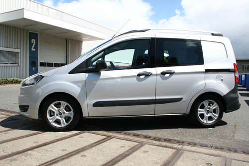 ford fiesta courier kombi. Black Bedroom Furniture Sets. Home Design Ideas