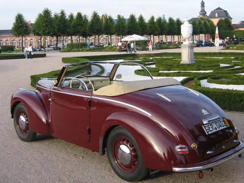 Skoda 1102 Roadster (1949).