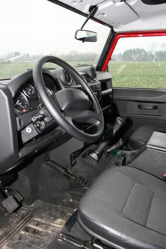 Land Rover Defender 90 SW.