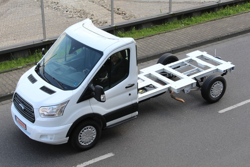 Ford-Transit-Tiefrahmen-Fahrgestell.