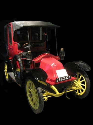 Exklusiv vor 100 jahren zogen zum ersten mal autos in for Garage des taxis g7