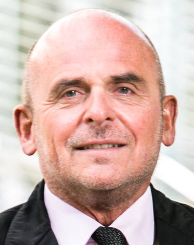 Dr. Thomas Schwerdtfeger.
