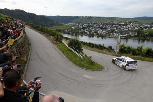 VW Polo R WRC in der Rally Kurve