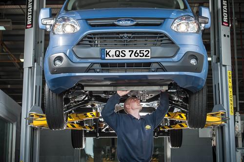 """Mit dem """"Ford Blue Service"""" verspricht Ford mehr Service."""