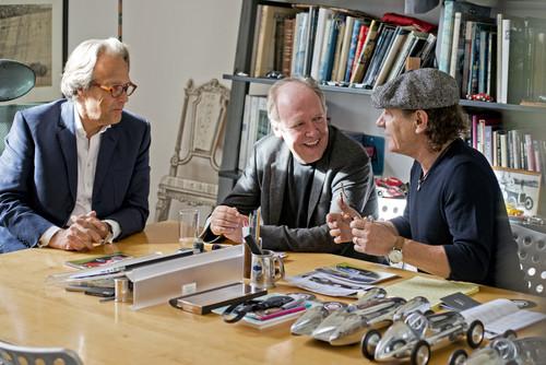 Brian Johnson, Leadsänger der Rockgruppe AC/DC, Lord March, Gründer des Goodwood Festival of Speed und des Goodwood Revival Meetings sowie Jaguar Designdirektor Ian Callum.