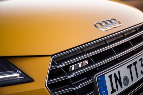 Audi TTS 2.0 TFSI Quattro: Die Form des Singleframe-Grills ist ein Zitat des Supersportwagens R8.