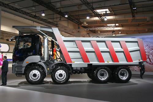 bharatbenz truck  87018