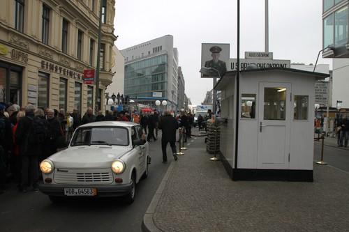 Trabant Universal 1.1 LE von 1990 am ehemaligen Checkpoint Charly.