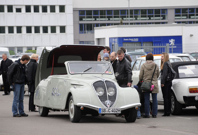 Oldtimertreffen bei Peugeot in Saarbrücken.