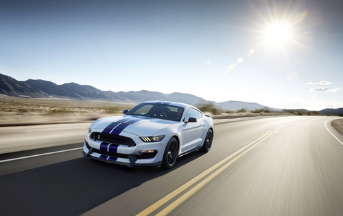 Ford Mustang Shelby GT 350.
