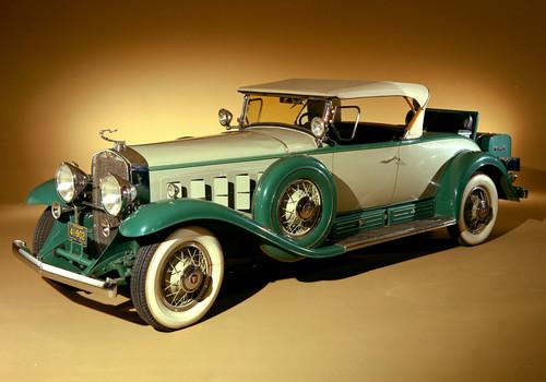 Cadillac V16 Roadster (1930).