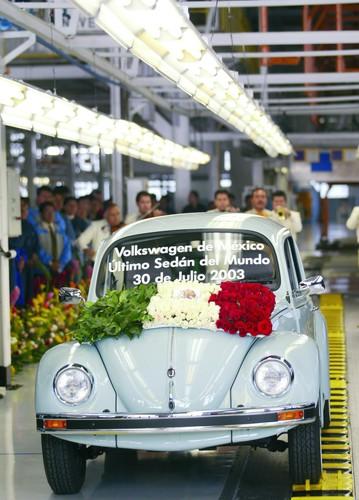 Die Tops und die Flops des Automobilgeschäfts: Der letzte Volkswagen Käfer, 2003.