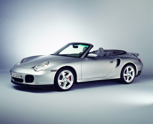 Porsche 911 Turbo Cabrio (2003).