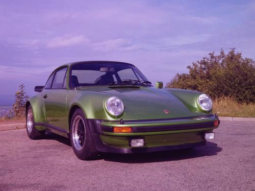 Porsche 911 Turbo (1974).