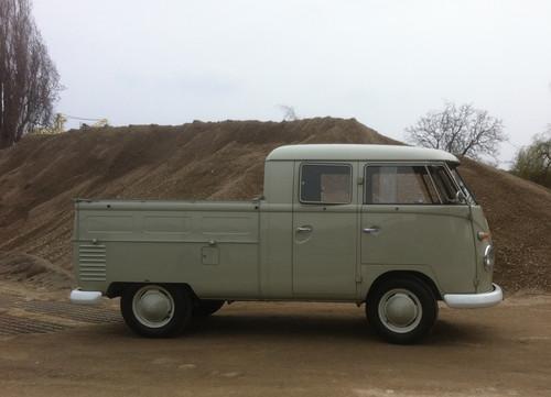 VW Bus Doppelkabine (1960).